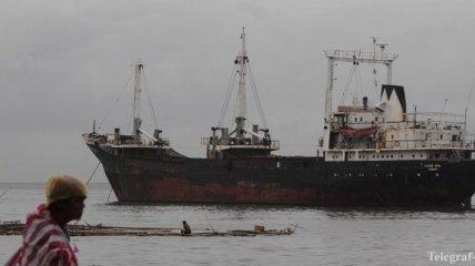 СМИ: Пираты захватили в заложники двух украинцев у берегов Нигерии