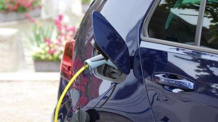 """Органам власти разрешили покупать электромобили """"за любые деньги"""""""