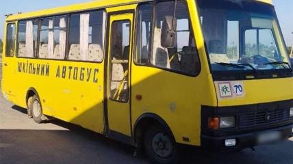 Водій шкільного автобуса сів за кермо напідпитку