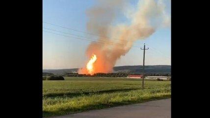 В России взорвался газопровод: в опасности жители одной из близлежащих деревень (видео)