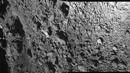 Появились новое фото и видео поверхности астероида Рюгу