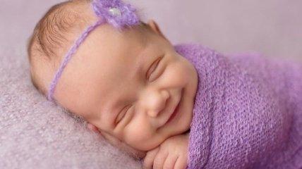 Фотограф, который ловит улыбки спящих младенцев (Фото)