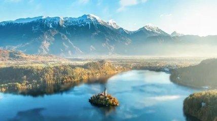 Самые красивые и необычные озера мира (Фото)