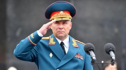 Генерал Зиничев спас режиссера, который оступился на скале и упал вниз
