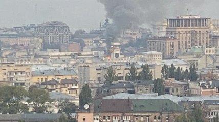 Загорелось жилое здание в центре Киева