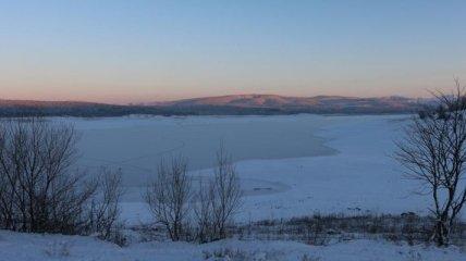 Из-за аномальных морозов замерзло Симферопольское водохранилище