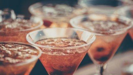 Пять крутых коктейлей для пятничного вечера: как их сделать в домашних условиях