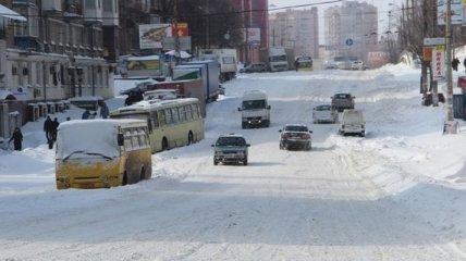 Более 2 тысяч коммунальщиков занимаются уборкой снега в Киеве