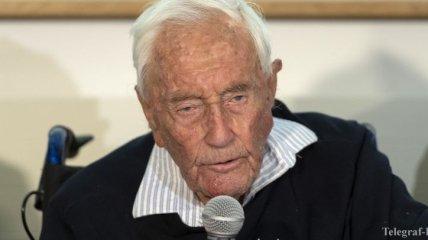 """Спел """"Оду к радости"""" перед эвтаназией: 104-летний австралийский ученый добровольно ушел из жизни"""
