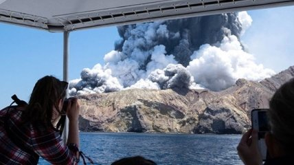 Вулкан в Новой Зеландии: очевидец снял качественное видео