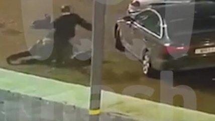 Россиянин забил до смерти прохожего на улице... приняв его за ведьму (видео)