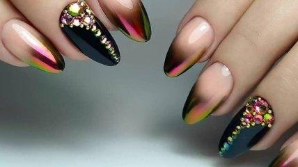 Маникюр 2020: потрясающие идеи дизайна ногтей со стразами (Фото)