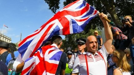 Украина временно ввела безвиз для граждан Великобритании
