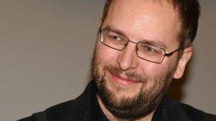 Пока певица Максим лежит в реанимации на ИВЛ, умер ее близкий друг и автор клипов