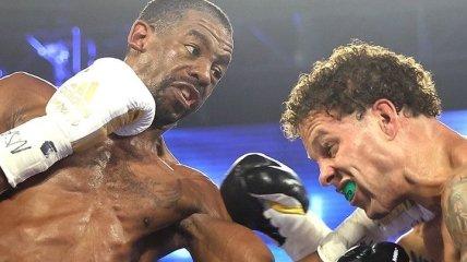 Бокс: претендента дискваліфікували за удар головою в чемпіонському бою (Відео)