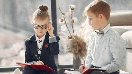Что лучше для ребенка - очки или линзы: советы офтальмолога