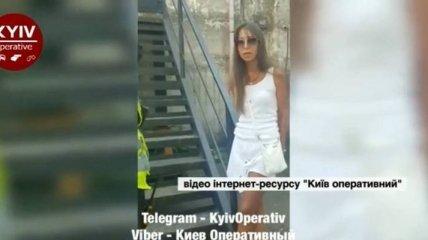 Села пьяной за руль: в Киеве жена таможенника устроила скандал из-за задержания (видео)