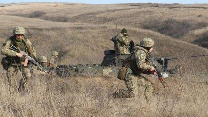 В обстрелах боевиков на Донбассе ранен украинский военный: ВСУ решили стрелять в ответ