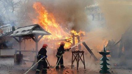 В центре Львова на рождественской ярмарке произошел пожар, есть пострадавшие