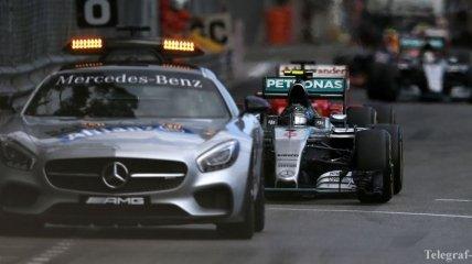 Международная пресса раскритиковала Mercedes за ошибку на ГП Монако