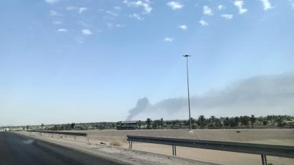 Клубы черного дыма в Багдаде видны издалека