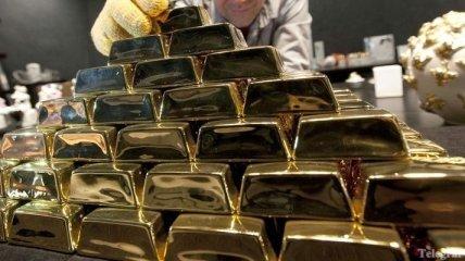Эксперты советуют хранить деньги в золоте