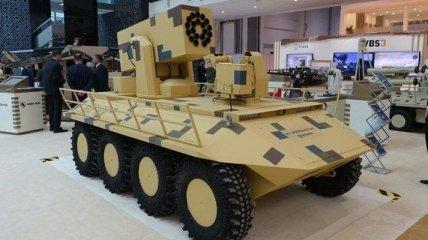"""Украинский БТР """"Фантом 2"""" вызвал интерес на выставке оружия в Абу-Даби (Видео)"""