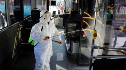 Италия прекращает почти все производство из-за коронавируса