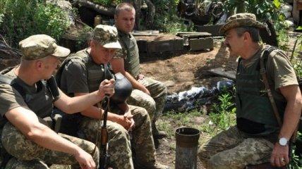 """Командиры будут сами принимать решение по использованию """"мобилок"""" в АТО"""