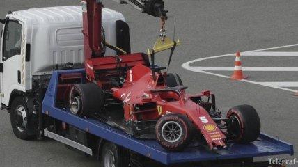 Феттель вылетел с трассы во время гонки Формулы-1 в Сочи, в сети нашли повод для насмешек (Видео)