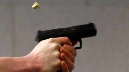 Любовь зла: в Херсоне 15-летний парень ранил сверстника из пистолета