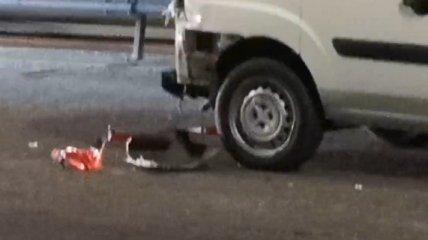 Смертельное ДТП в Киеве: пешеход пытался перебежать дорогу в неположенном месте и угодил под колеса (видео)