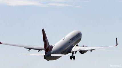 """В аэропорту """"Львов"""" самолет выкатился за взлетно-посадочную полосу"""