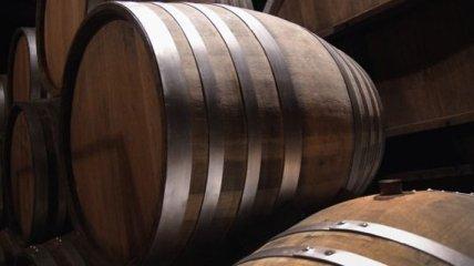 Винодел хранил в бочках тысячи литров фальсифицированного вина