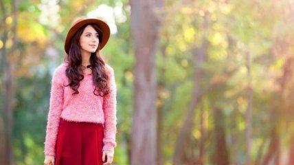 Модная осень: как правильно сочетать платья и топы