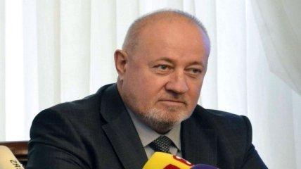 """Виктор Чумак требовал назначить ему пенсию 135 тыс грн, поскольку """"16 дней служил в армии"""""""