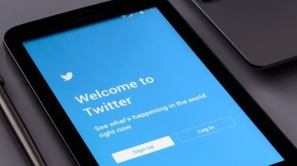 """""""Никаких ущемлений"""": сеть высмеивает возможный запрет Twitter в России"""