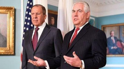 Тиллерсон и Лавров обсудили ситуацию на востоке Украины