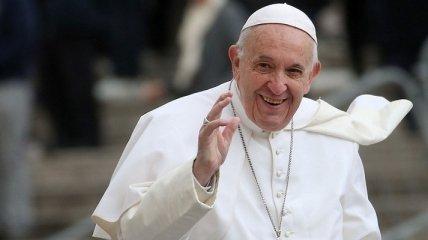 Зеленский опять зовет Папу Римского приехать в Украину
