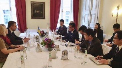 Мюнхенская конференция: Загороднюк встретился с японским коллегой