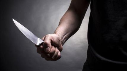 Сначала подозреваемый избил жертву цепью, а после взялся за нож