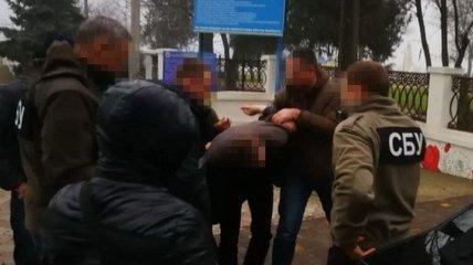 В Херсонской области задержали чиновника ГФС за систематическое получение взяток