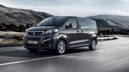 Peugeot показал электрическую версию фургона e-Traveller (Фото)
