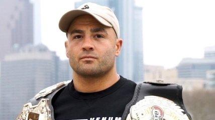 Избитый молдавский боец ММА просто отвернул голову для победы (видео)