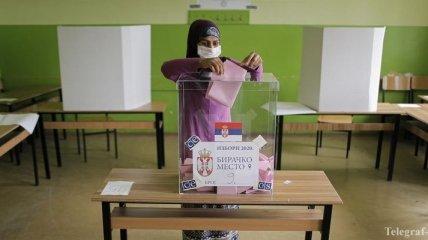 Сербия проводит парламентские и местные выборы