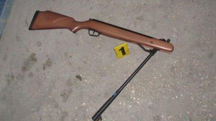 В Кривом Роге мужчина выстрелил из винтовки в сотрудника полиции